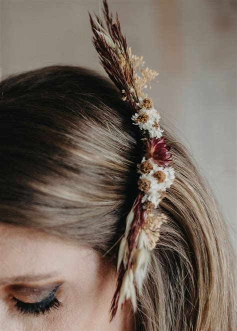 DIY Wedding Hair Comb with Dried Flowers – Afloral