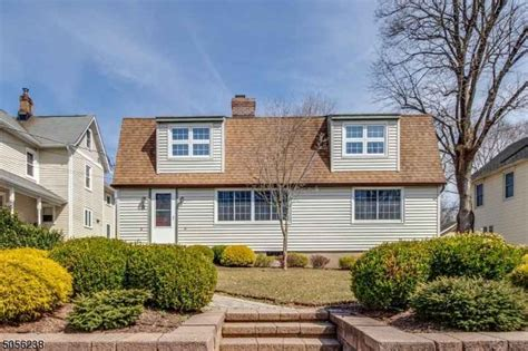 Peapack and Gladstone, NJ Real Estate - Peapack and