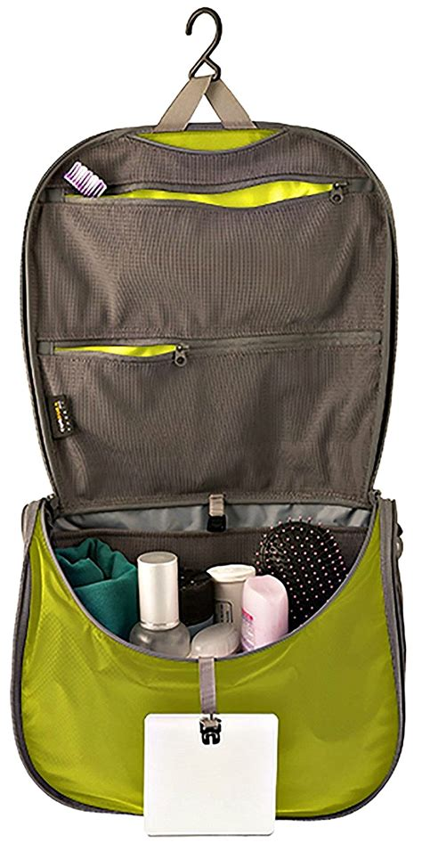 The Best Toiletry Bags for Travel 2018: Which Will You Choose?
