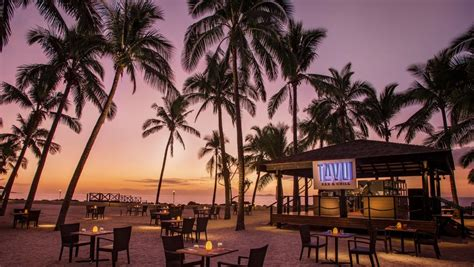 Cookies, coconuts and beach dining: DoubleTree Resort by
