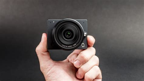 The E1 is a tiny 4K camera that lets you change lenses
