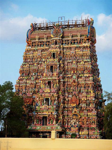 10 Stunning Temples You Must Explore In India - Hand