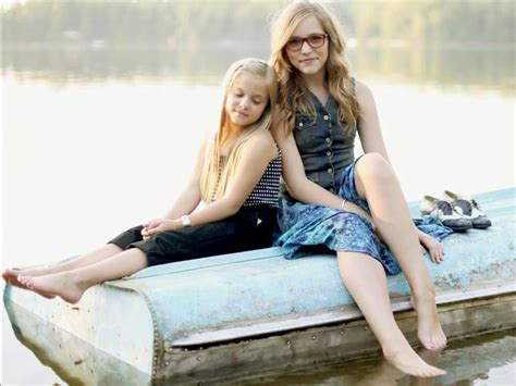 Lennon and Maisy Stella   Bio, Music Videos, and Tour