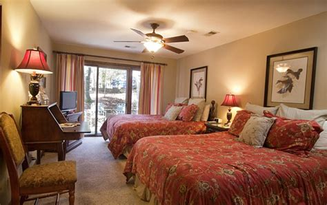 Stay at The Mountain Creek Villas in Callaway Gardens