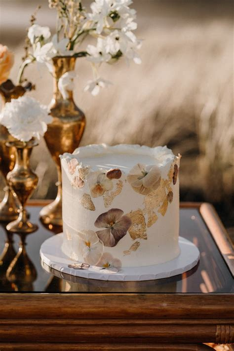 21 Perfect Small Wedding Cakes