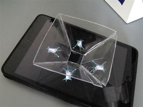 Watch the living cell in a homemade 3D hologram projector
