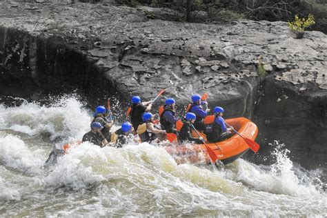 Whitewater rafting on the Beast of the East - Chicago Tribune