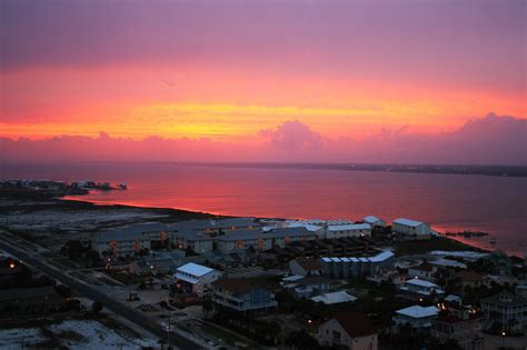 """Southern Living names Navarre Beach a best """"tiny town"""
