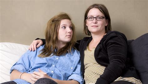 The Effects of Having Strict Parents on Teenagers | How To
