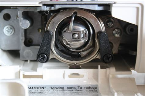4: parts of the sewing machine – yellow spool
