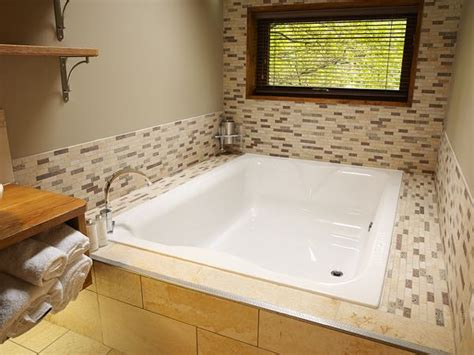 Dog friendly Norfolk Hot Tub Lodge for couples in Thorpe