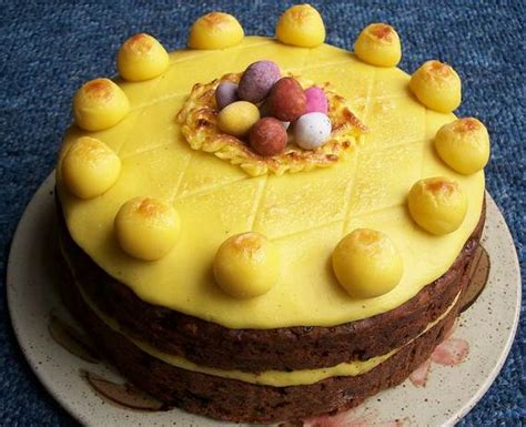Cute Easter Cakes and Easter Egg Cake - family holiday
