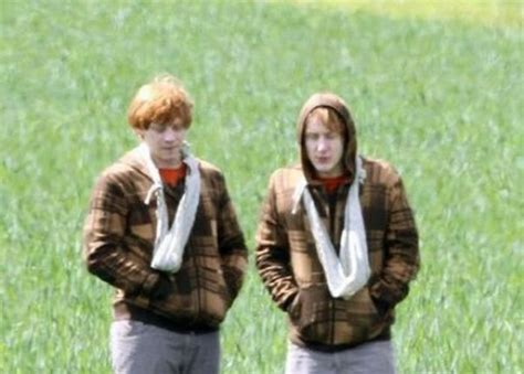 These Behind The Scene Photos From Harry Potter Sets Will