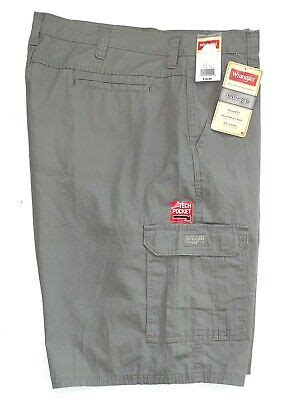 """NWT Wrangler Men's Relaxed Fit 10"""" Cargo Shorts Ripstop"""